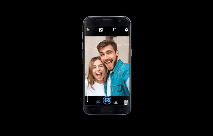 /e/OS Galaxy S7, deGoogled Android phone, Premium refurbished, selfie shot, black